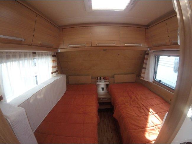 Knaus sundwind 450 el anno 2011 - Finestre camper usate ...